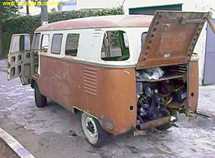 Barndoor Bus Site